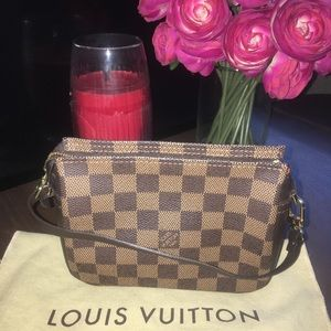 ❤️Authentic Louis Vuitton Damier Ebene Trousse❤️